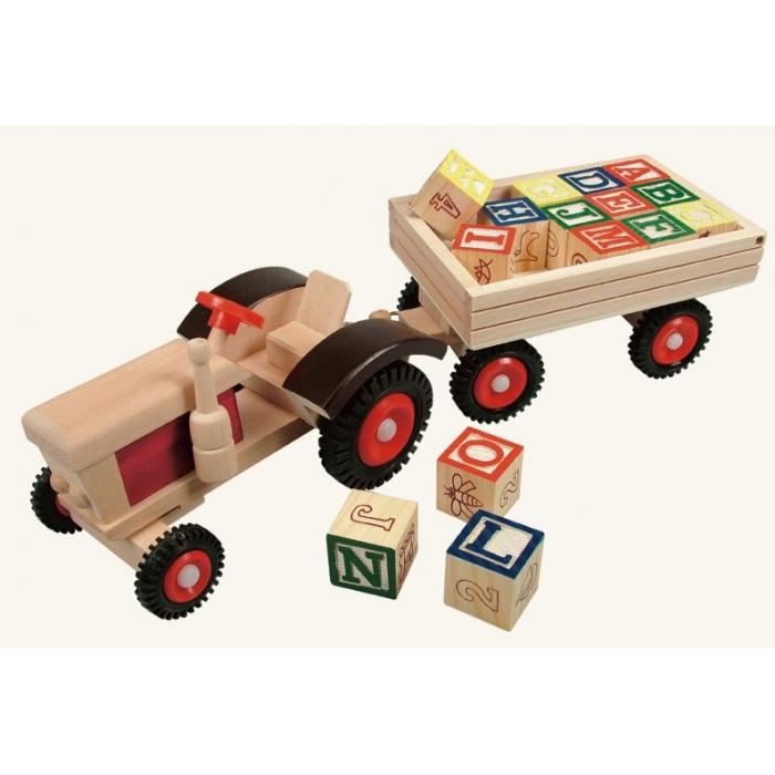 Traktor s gumovými koly